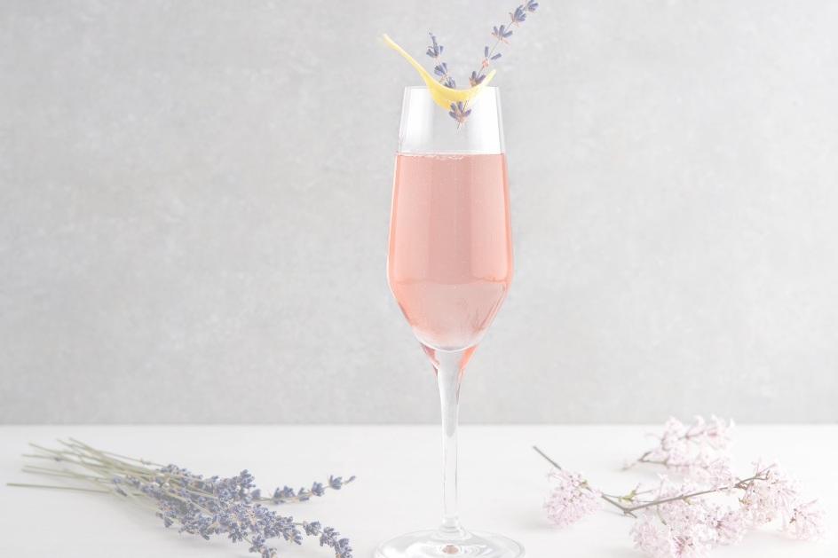 - Rezepte und Content (Photo & Video)Mobile Sekt- und ChampagnerbarAfterwork und Aperitivo DrinksAlkoholfreie CocktailsCustomized DrinksHochzeitscateringCocktailcatering
