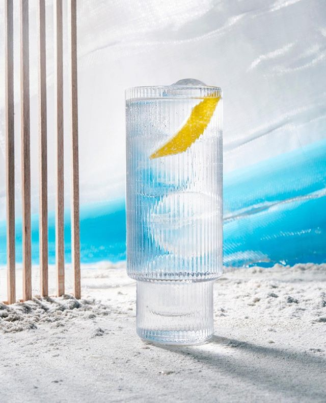 Say hi to our all-time favorite: the Skinny Beach - like a bitch but with taste :) ⁠ ⁠ This one is dedicated to all mindful drinklovers out there who appreciate some additional taste in this simple and light summer cocktail. Perfect for a day at the beach or an early morning in the club.⁠ ⁠ ⁠ Recipe ⁠ ⁠ Ice cubes or ice balls⁠ 40 ml  local Vodka⁠ 30 ml lime juice⁠ 20 ml Coconut Water ⁠ Add Sparkling Soda⁠ Grated lemon, fresh or dried⁠ Garnish: lemon zest⁠ Optional: a dash of coconut blossom sugar⁠ ⁠ ⁠ #mixology #barcatering #instadrinks #instacocktails #skinnybitch #wodka #vodka #drinkoftheday #craftspirits #cocktailhour #cocktailart #fountainofyouth #coconutwater #catering #bar #berlinbars #berlindrinks #sektgar #cocktail #mixologist #drinkporn #cocktails  #sektgarsummerdrinks #sektgar #sektgarevents #foodstyling #drinkstyling #yummy ⁠#rippleglass #fermliving