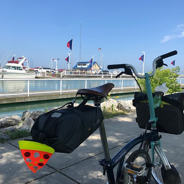 The downhill approach to Port Washington on the #ozaukeeinterurbantrail as it slopes toward Lake Michigan is by far the nicest part of my ride today from Milwaukee to #harringtonbeachstatepark  #bromptonbicycle  #bromptonchicago  #bromptonlife  #livelargepacksmall  #bikechi #unsalted  #lakemichigan @safetypizza