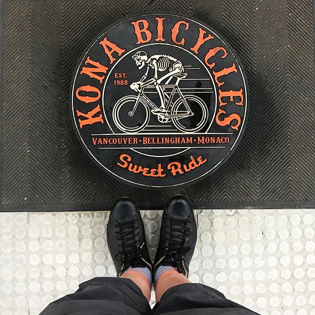 Ready to head out for the night on my sweet Kona ride! #konabikes #betheengine #bikechi