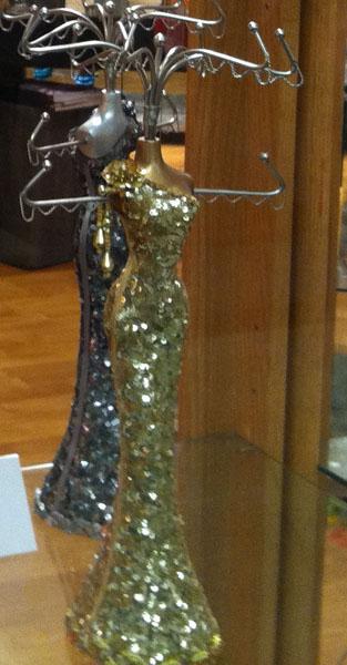 Americasmart-mannequin-sparkly.jpg