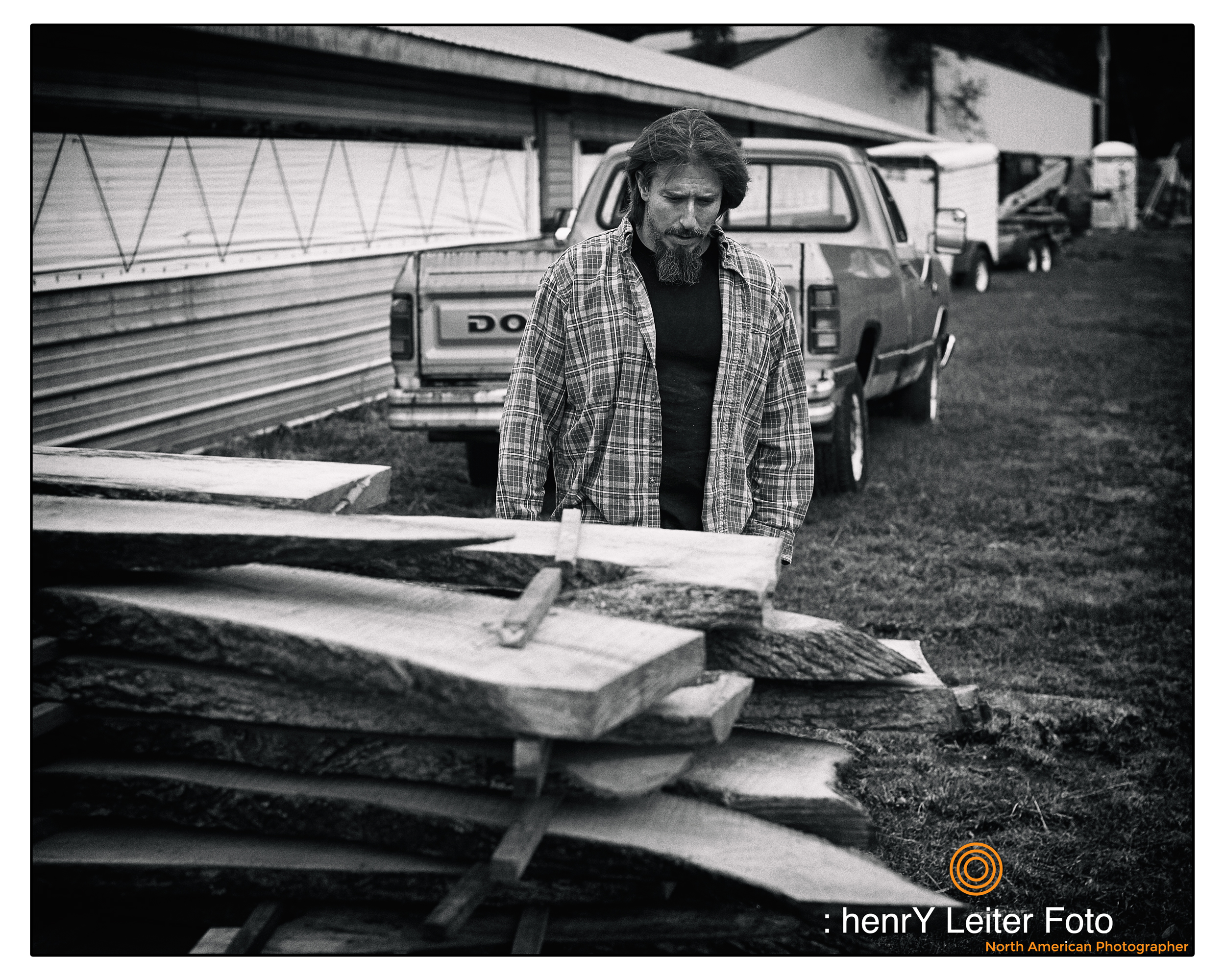 Portrait of the wood artist Jon Porter by photographer henrY Leiter