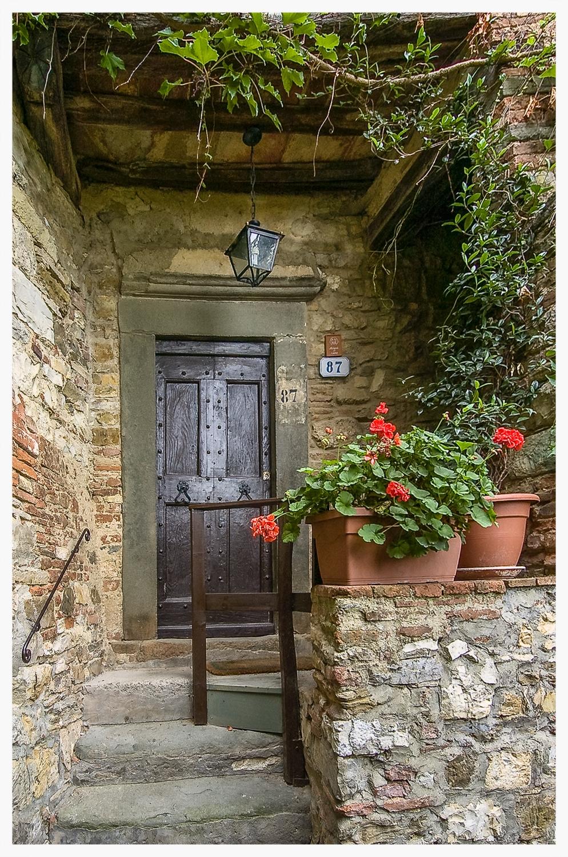 Montefioralle Doorway