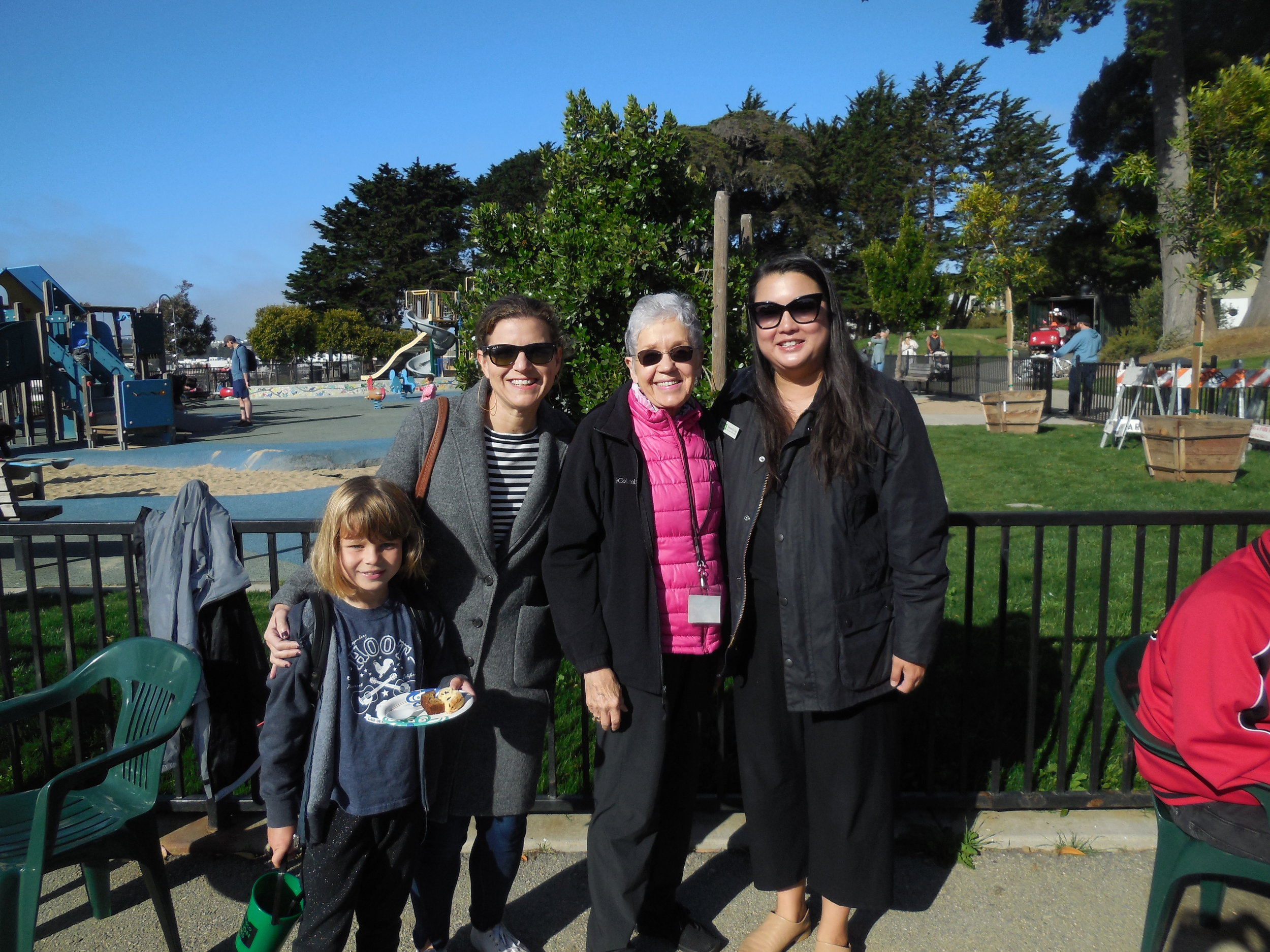 Abigail Maher with daughter and Beverly Ng of SFRPD, with Anita Denz of the Friends of Alta Plaza Park