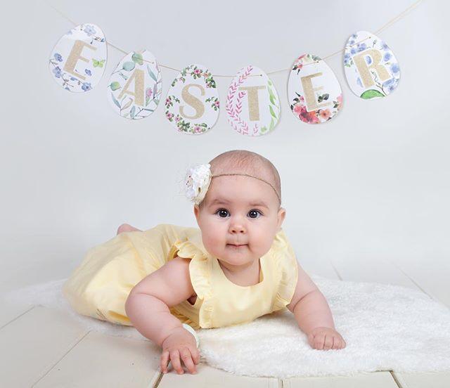 Happy EASTER! 🐰 . . . . #dziendobry #instamatki #dziewczynka #toddler #photooftheday #picoftheday #babygirl #birthdayoutfitsforgirls #birthdayoutfit #photoshoot #easter #easterminisession #easterminis #7miesiecy #urodzinaw2018 #bornin2018 #edinburghphotography #edinburghphotographer #session #photosession #7monthsold #minisessions #easterbunny