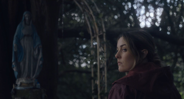 Anna Margaret Hollyman in  Don't Leave Home