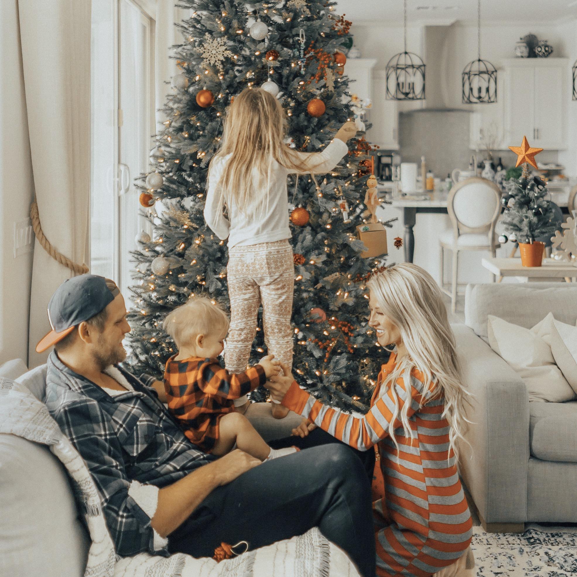 Fam-Christmas-Alexa-Jean-Brown