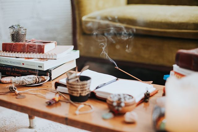 Setting the mood. . . client photo : Wandering Soul Collective . . #incense #sage #sacredmood #setthemood #bohemian #wellness #holistichealth #organizedchaos #wabisabi #smokeshapes