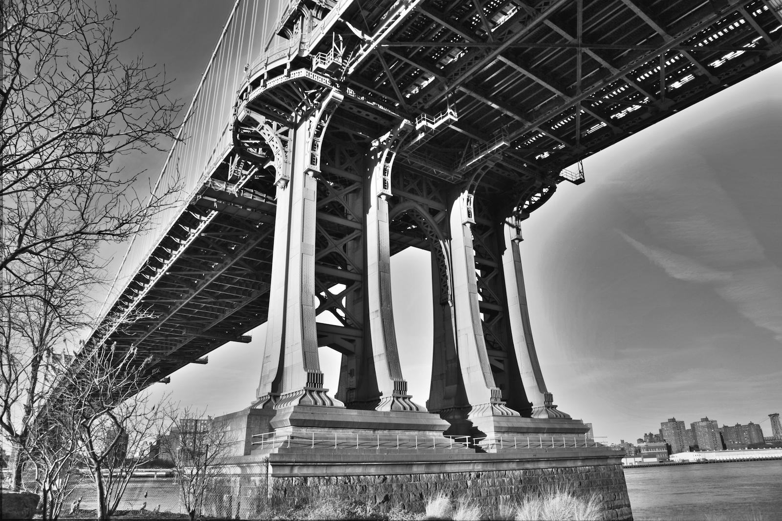 DUMBO BRIDGE B&W.jpg