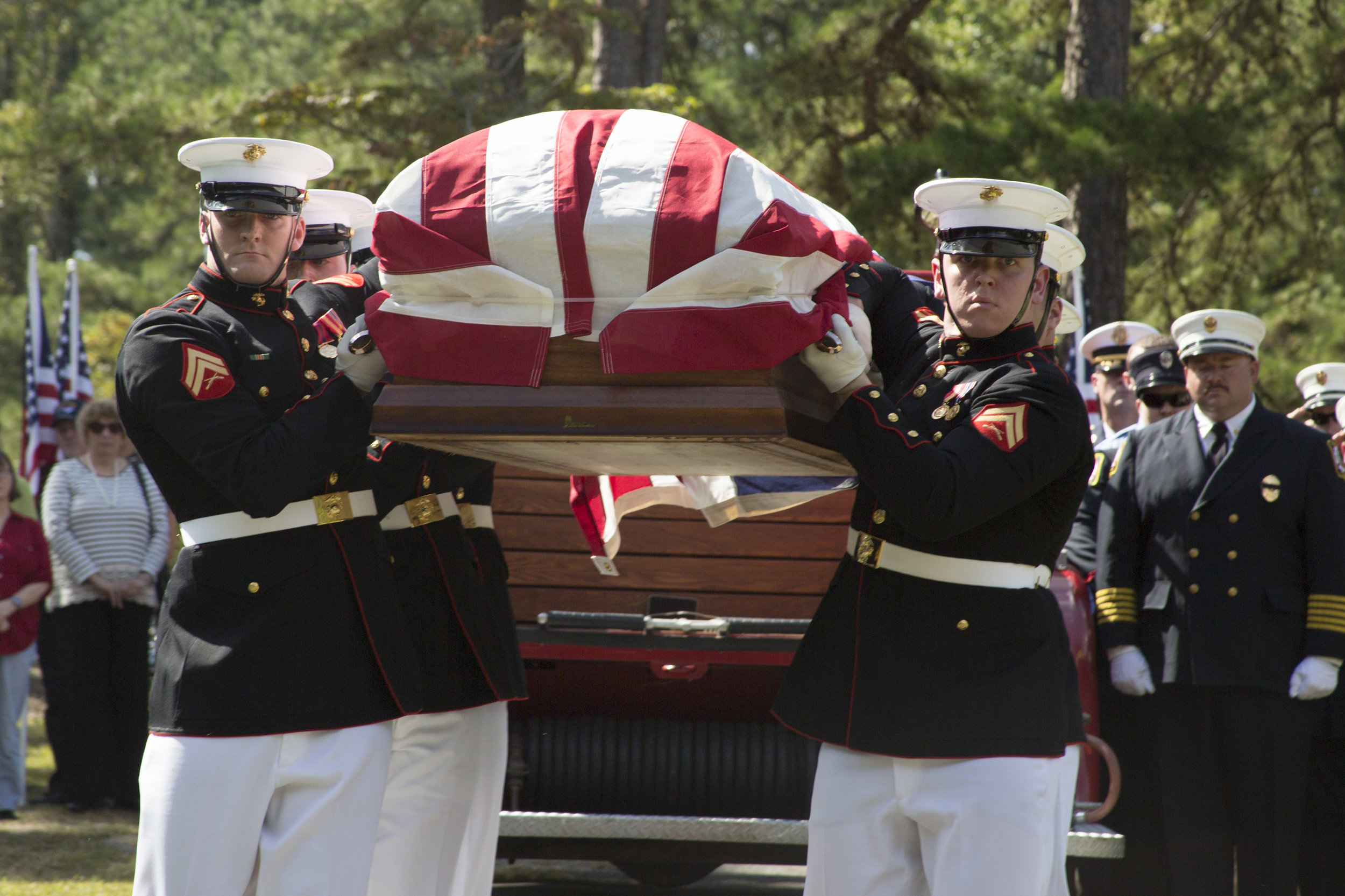 Body Bearers from Marine Barracks Washington, D.C., conduct the transfer of Cpl. William Ferrell at the Cross Hill Cemetery, Carthage, NC, Oct. 8, 2015  Photo By: Cpl. Chi Nguyen