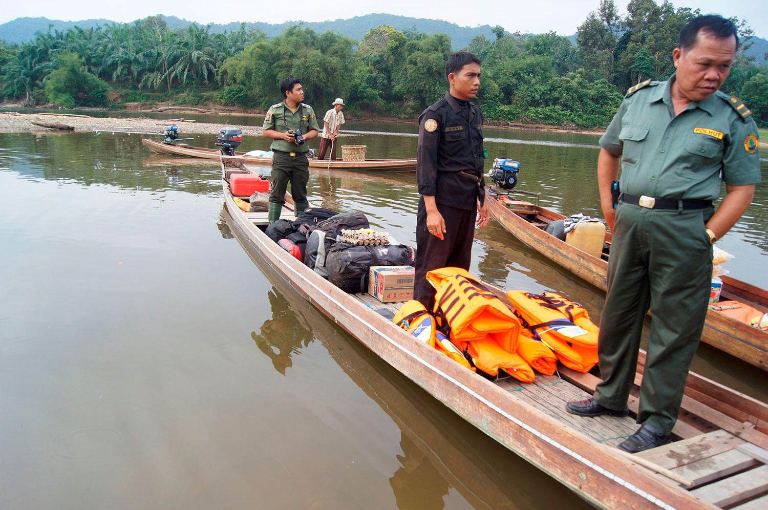 parks_rusli_with_tiger_protection_unit_1500w.jpg