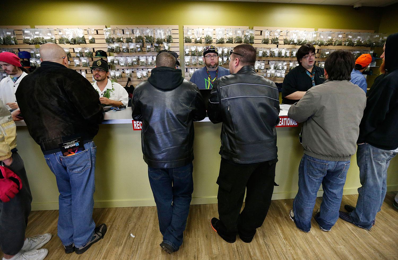 retail_marijuana-regulators-pleased_1500w.jpg