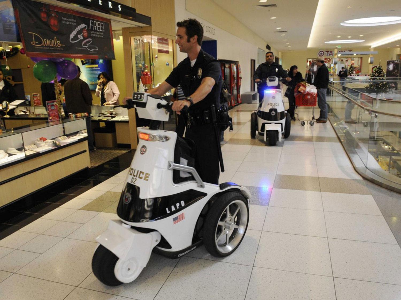 retail_security_guard_black_friday_1500w.jpg