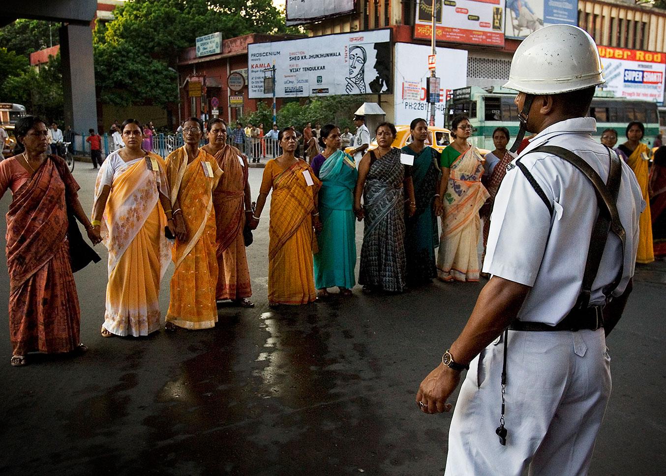 police_India_Kolkata_policeman_1500w.jpg