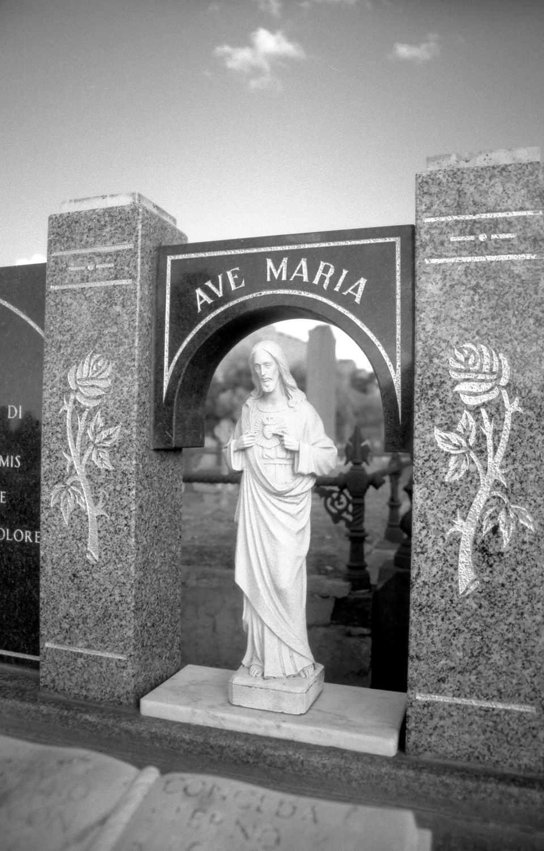 ave maria [melbourne general cemetery, parkville, victoria, australia, 2005]