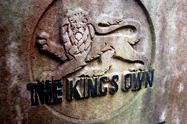 untitled #126  [hong kong protestant cemetery, happy valley, hong kong, 2006]