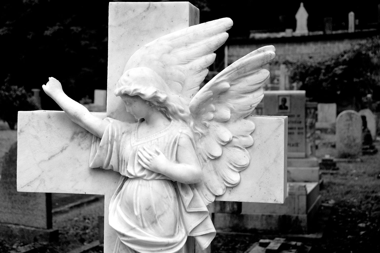 untitled #166  [hong kong protestant cemetery, happy valley, hong kong, 2006]
