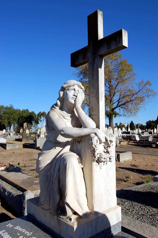 untitled #92  [melbourne general cemetery, parkville, victoria, australia, 2005]