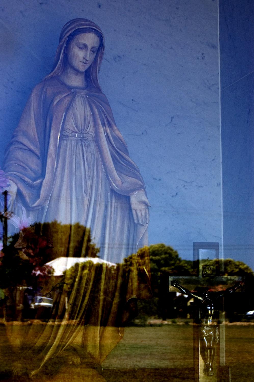 untitled #2 [nudgee cemetery, nudgee, queensland, australia, 2006]