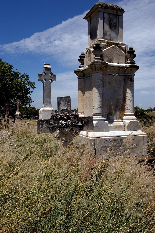 untitled #92 [nudgee cemetery, nudgee, queensland, australia, 2006]