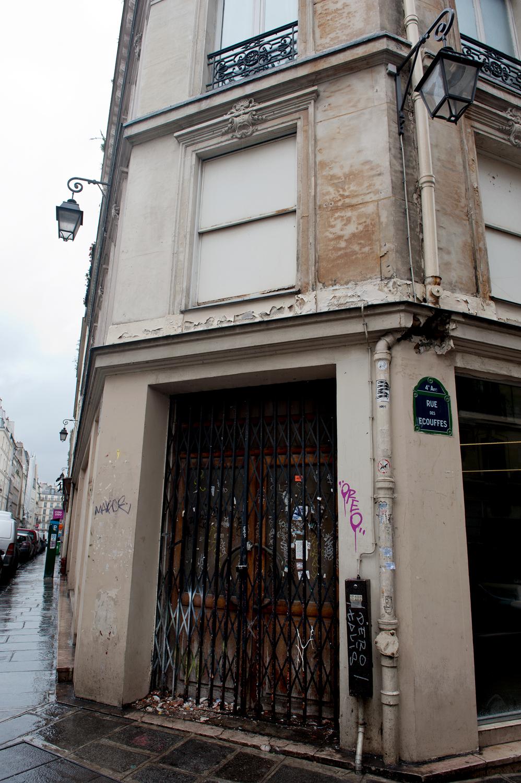 rue des ecouffes [le marais, paris, france, 2011]