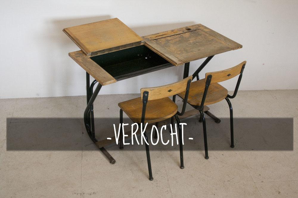 Vintage+schooltafel+met+stoelen+4.jpg
