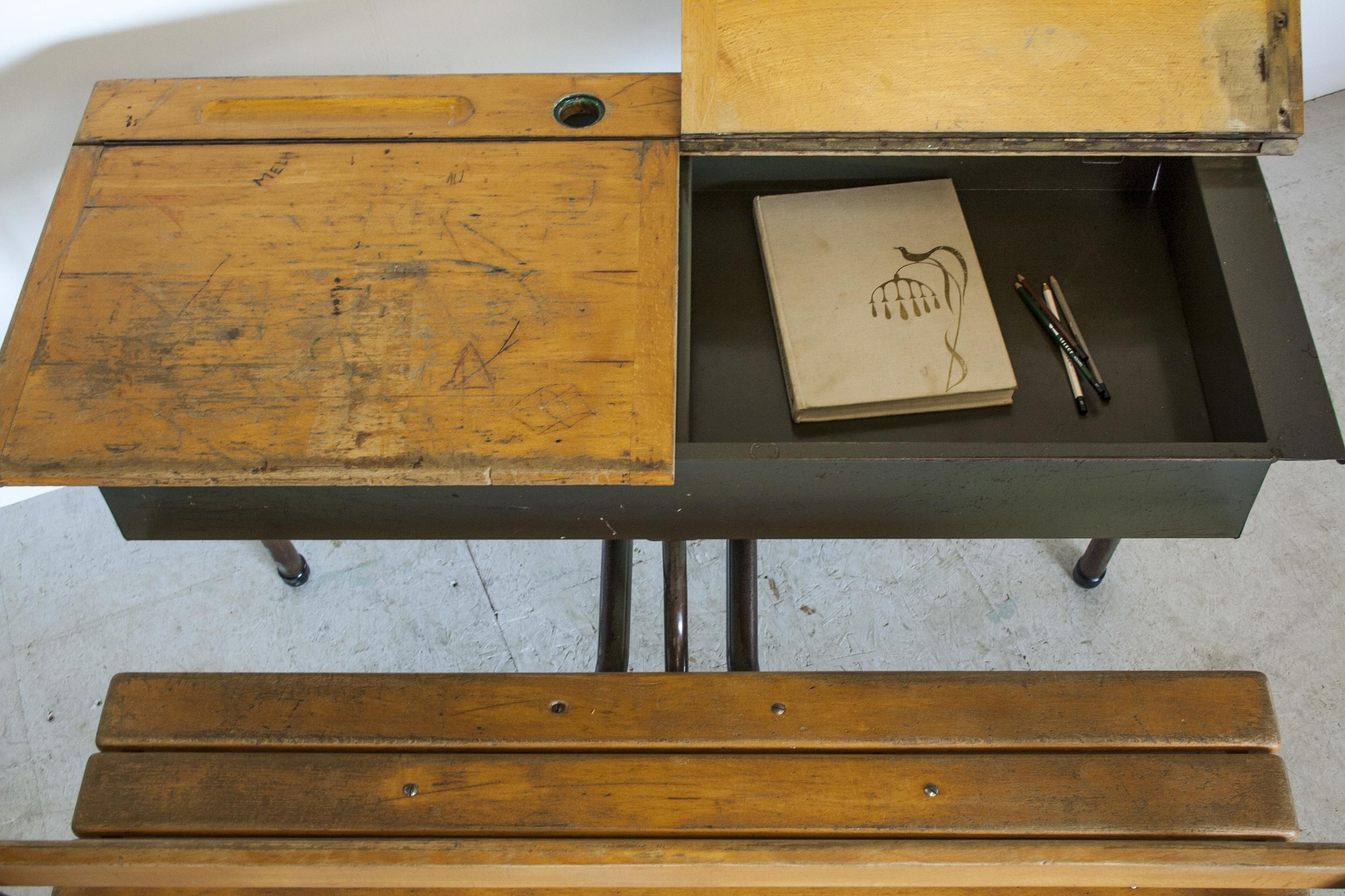 Vintage schoolbank 4.jpg