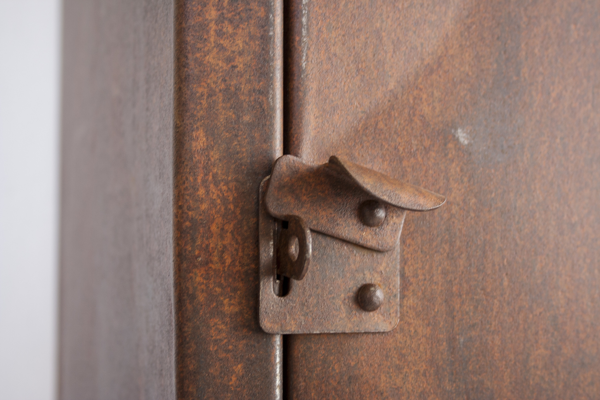 Prachtig verroeste 4-deurs locker_5.jpg
