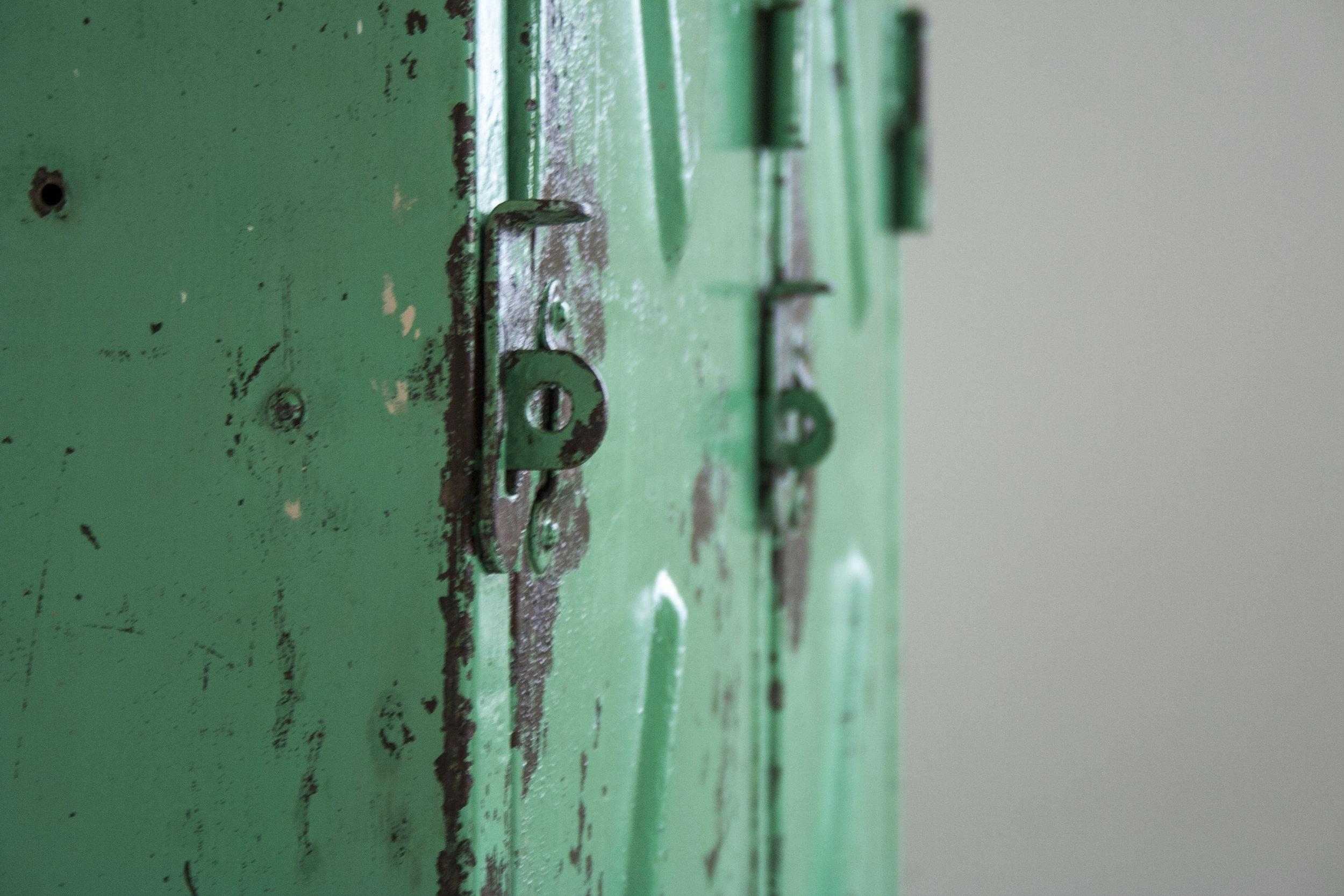 mintgroene locker 2 deuren_6.jpg
