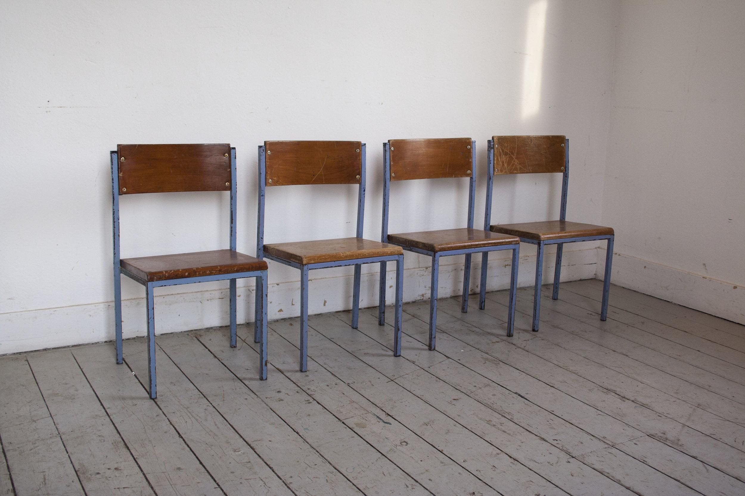 Lage Portugese stoeltjes.jpg