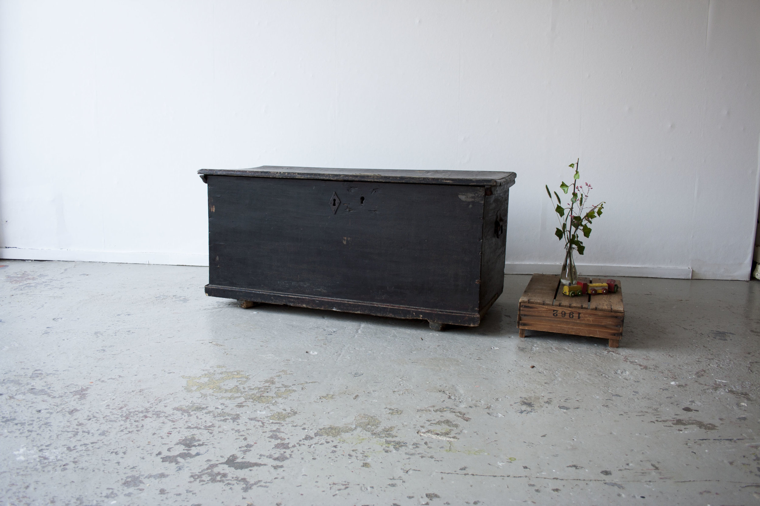 Zwarte dekenkist - Firma Zoethout.jpg