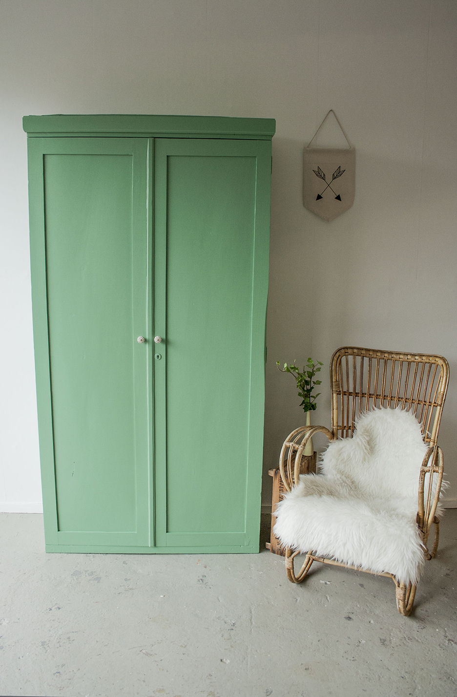 Frisgroene vintage kledingkast - Firma Zoethout_1.jpg