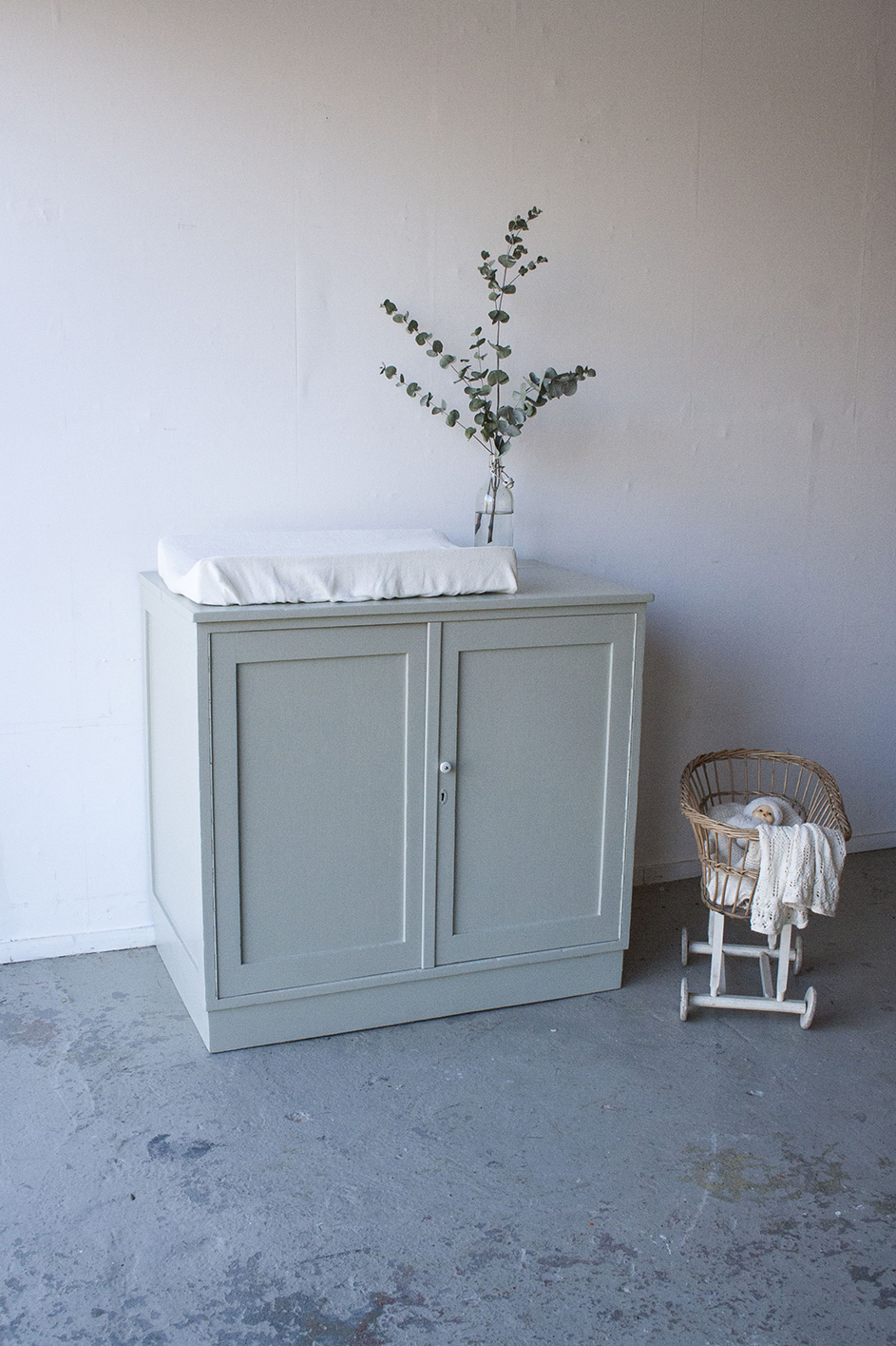 French grey blokcommode - Firmazoethout.jpg