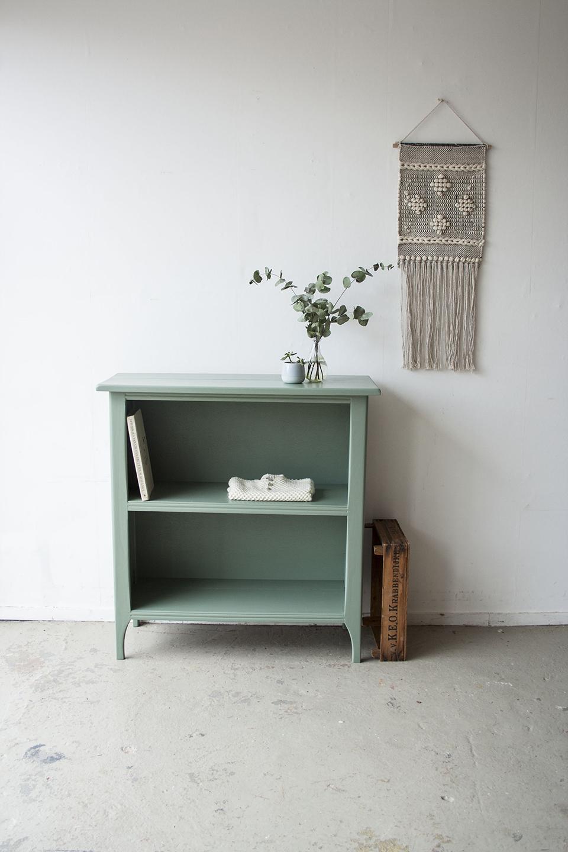 Dennegroen boekenkastje - Firma zoethout.jpg