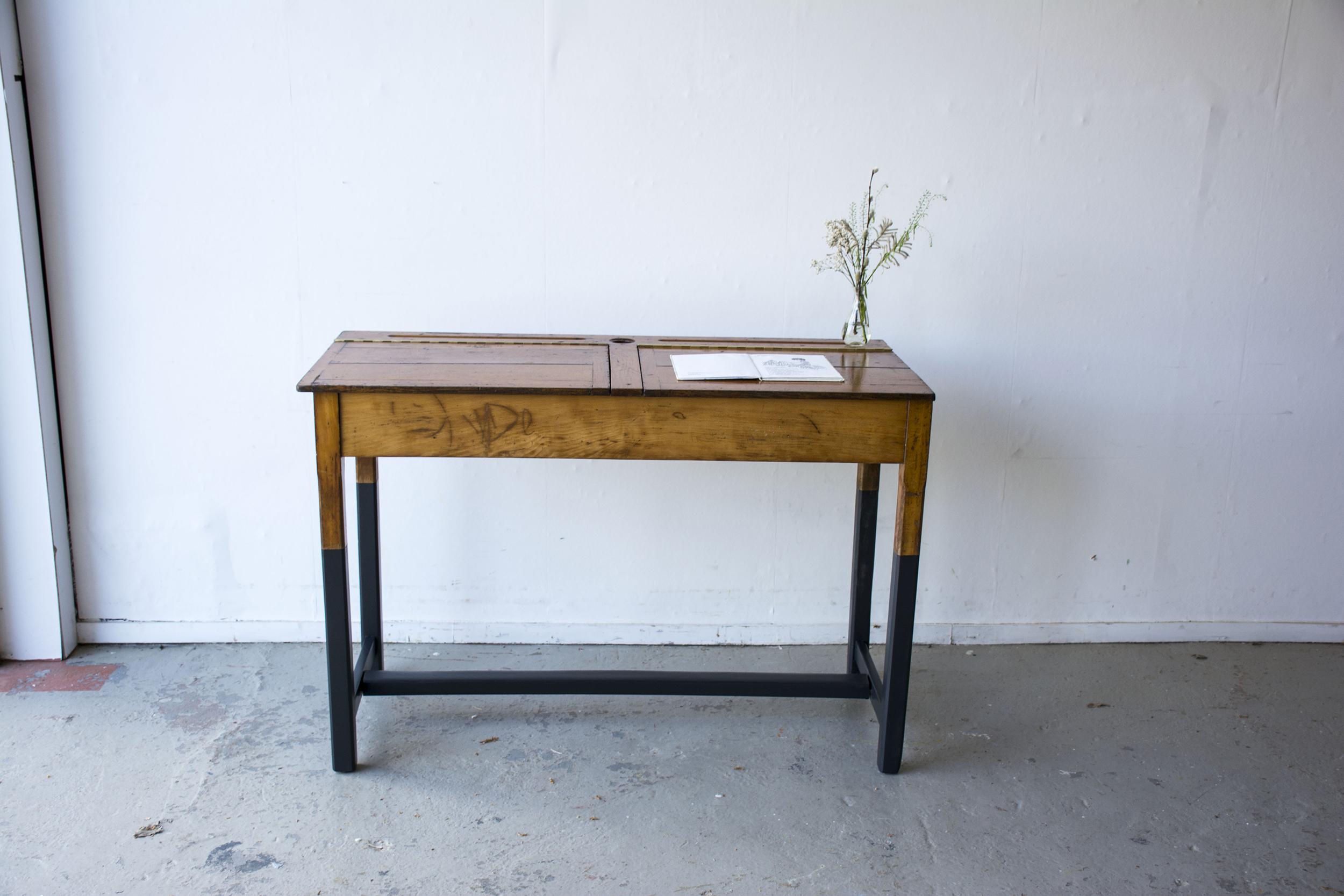 Vintage schooltafel met zwarte poten - Firma zoethout_2.jpg
