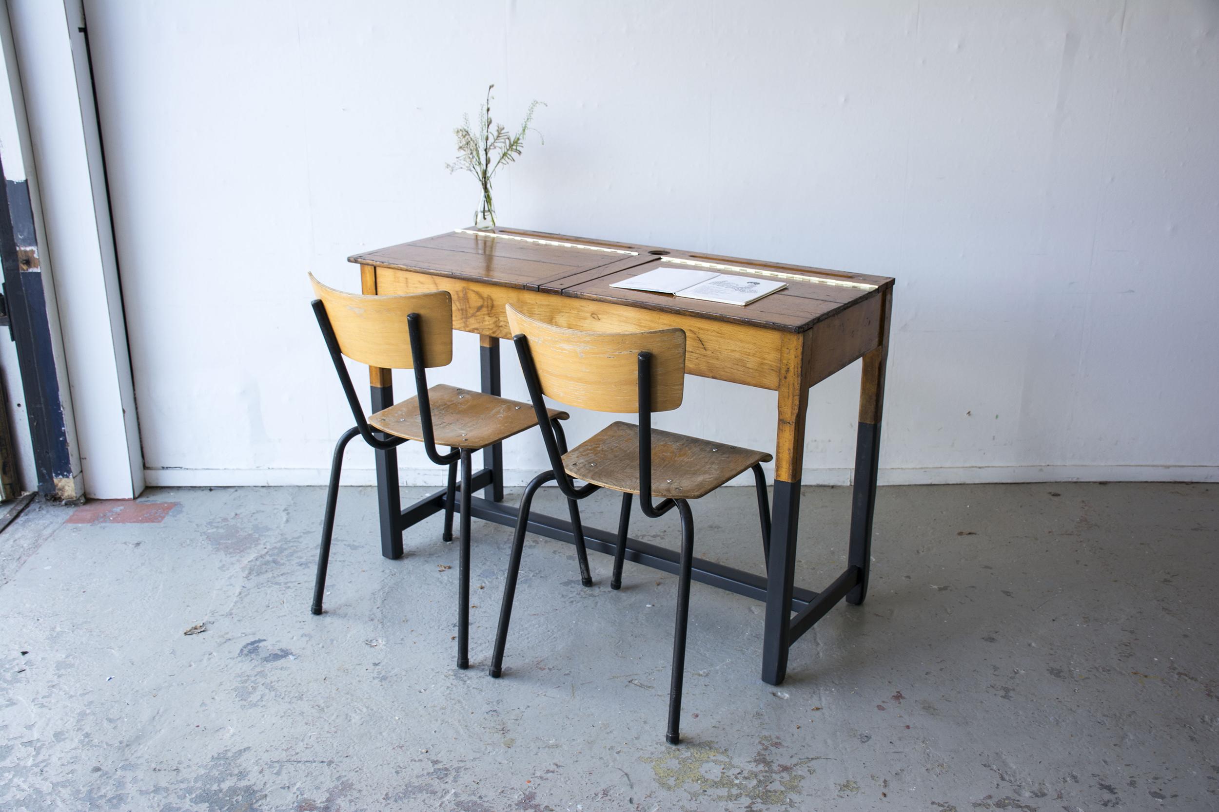 Vintage schooltafel met zwarte poten - Firma zoethout_1.jpg