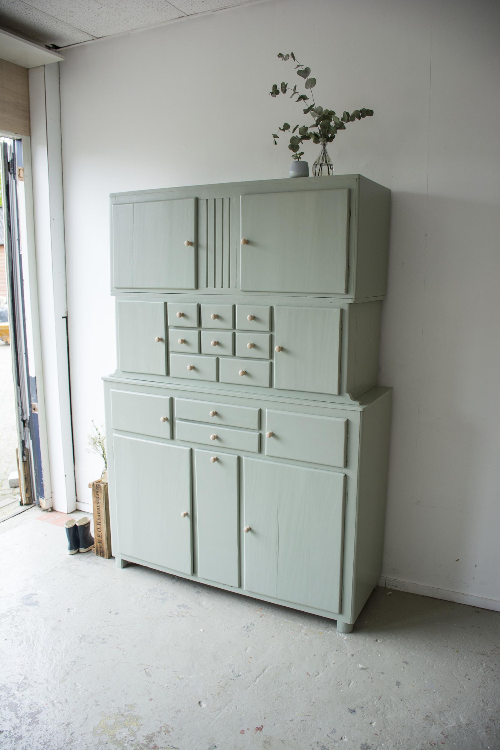 _Grijsgroene driedelige keukenkast - Firma zoethout_2.jpg