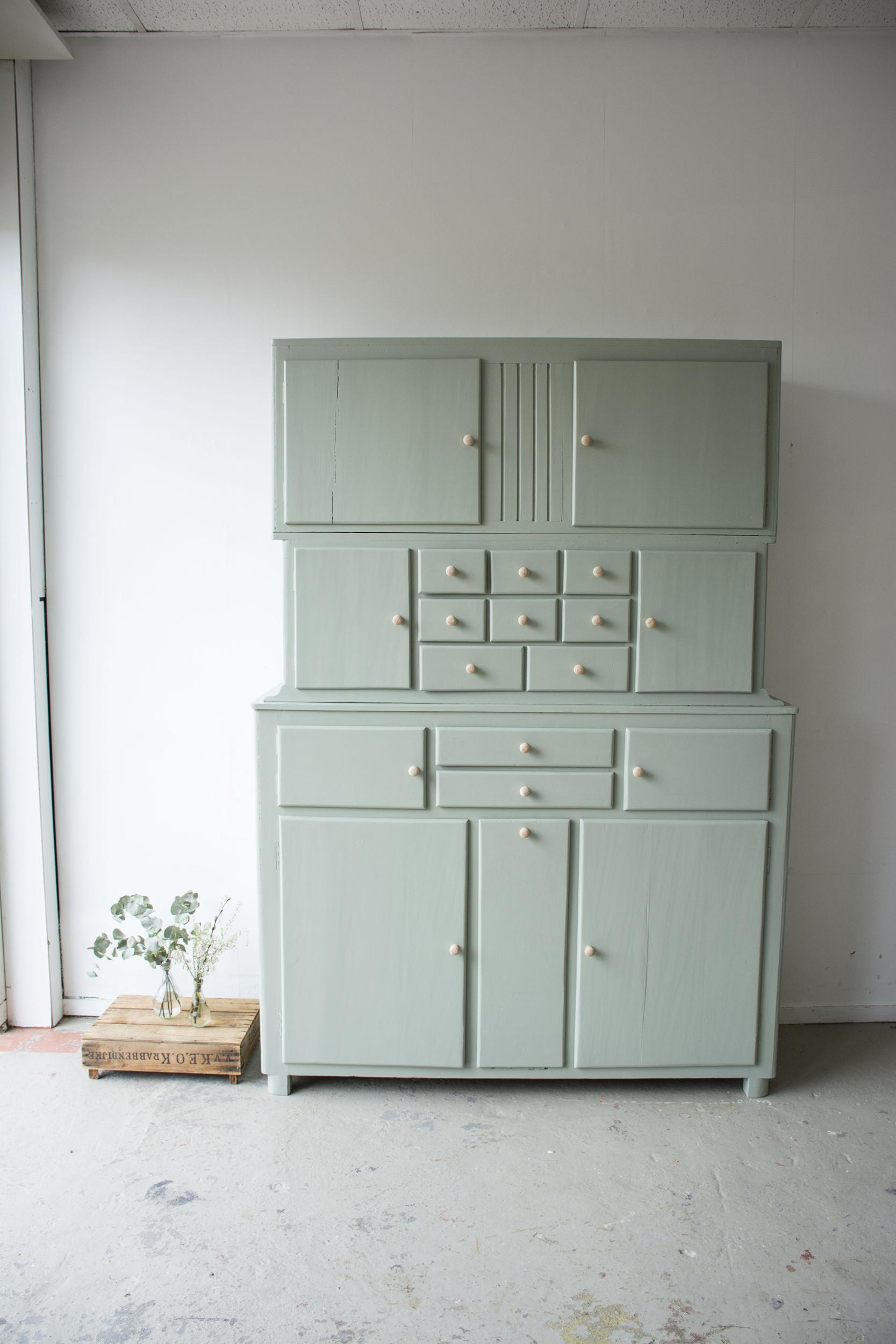 _Grijsgroene driedelige keukenkast - Firma zoethout_7.jpg