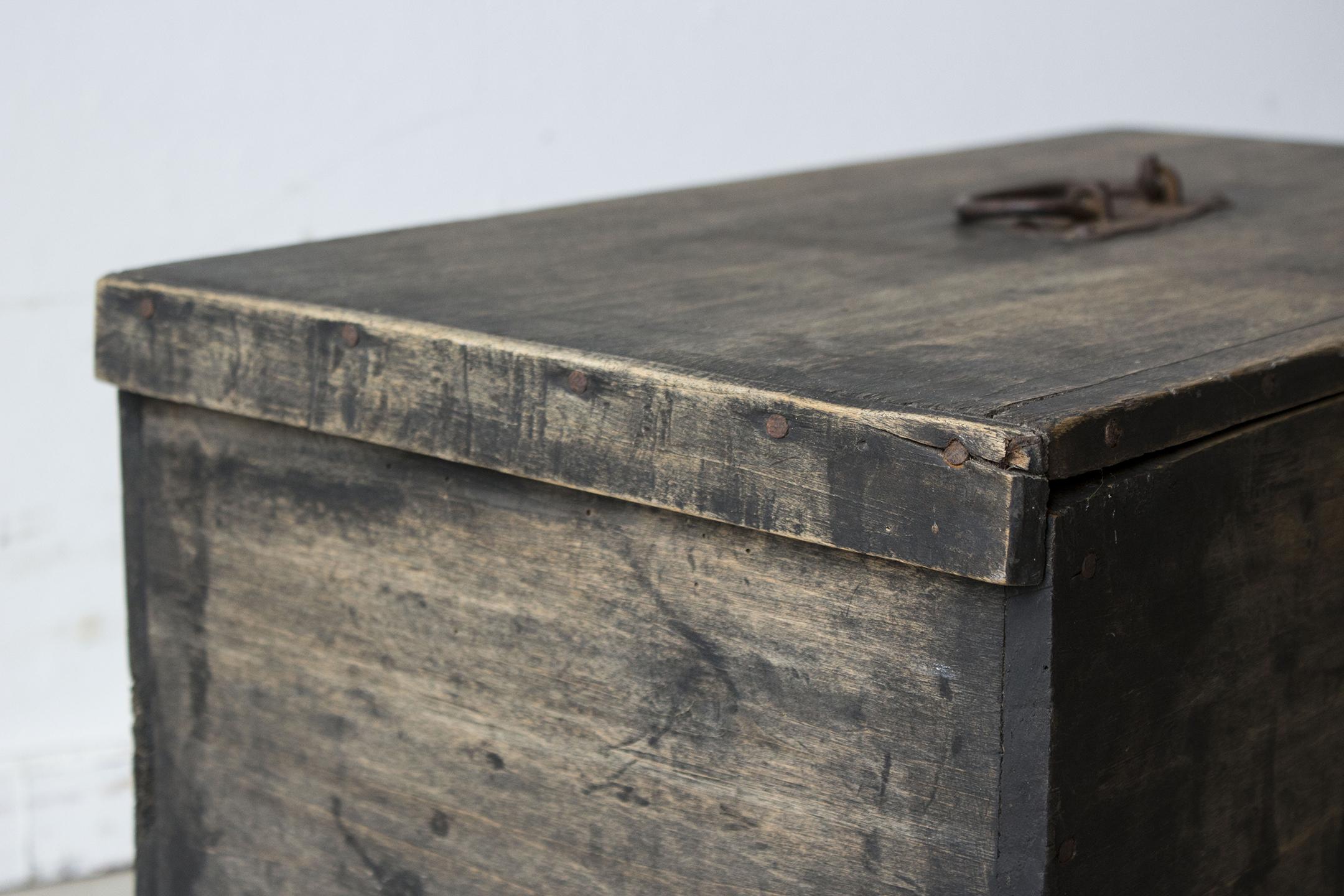 zwart vintage kistje -  Firma zoethout_4.jpg