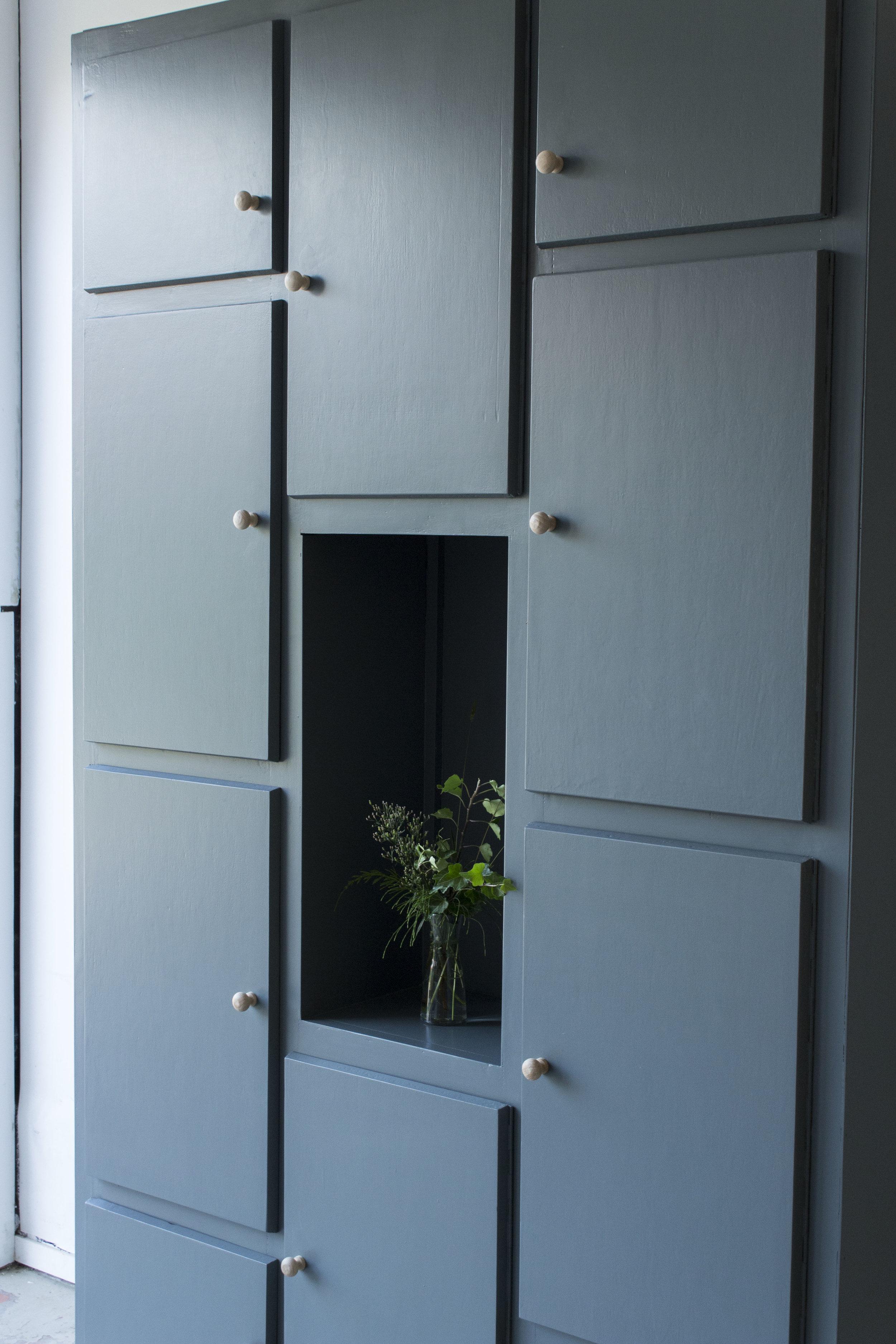Grote kiezelkast met deurtjes -  Firma zoethout_7.jpg