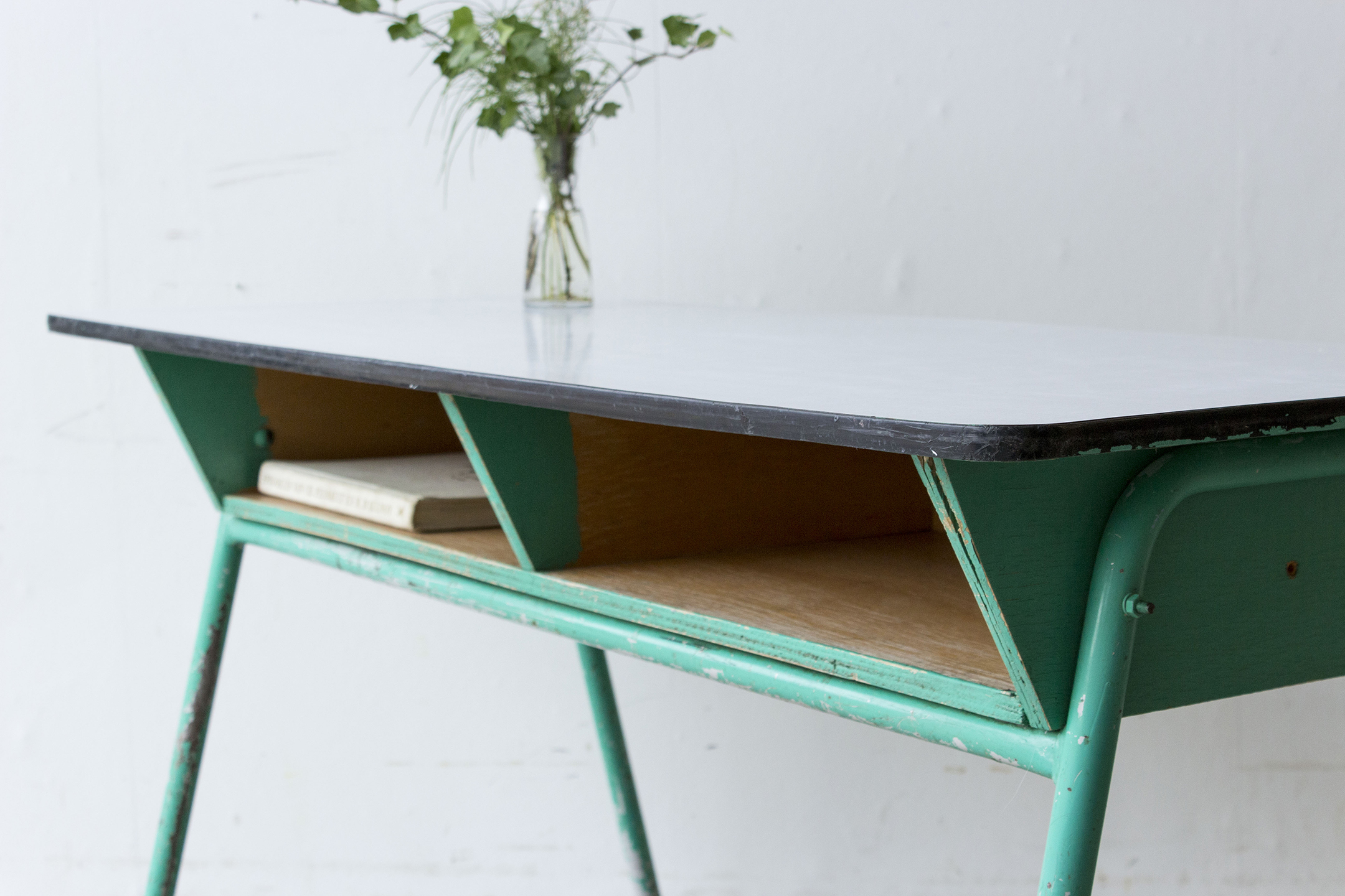 Groene vintage schooltafel -  Firma zoethout_2.jpg