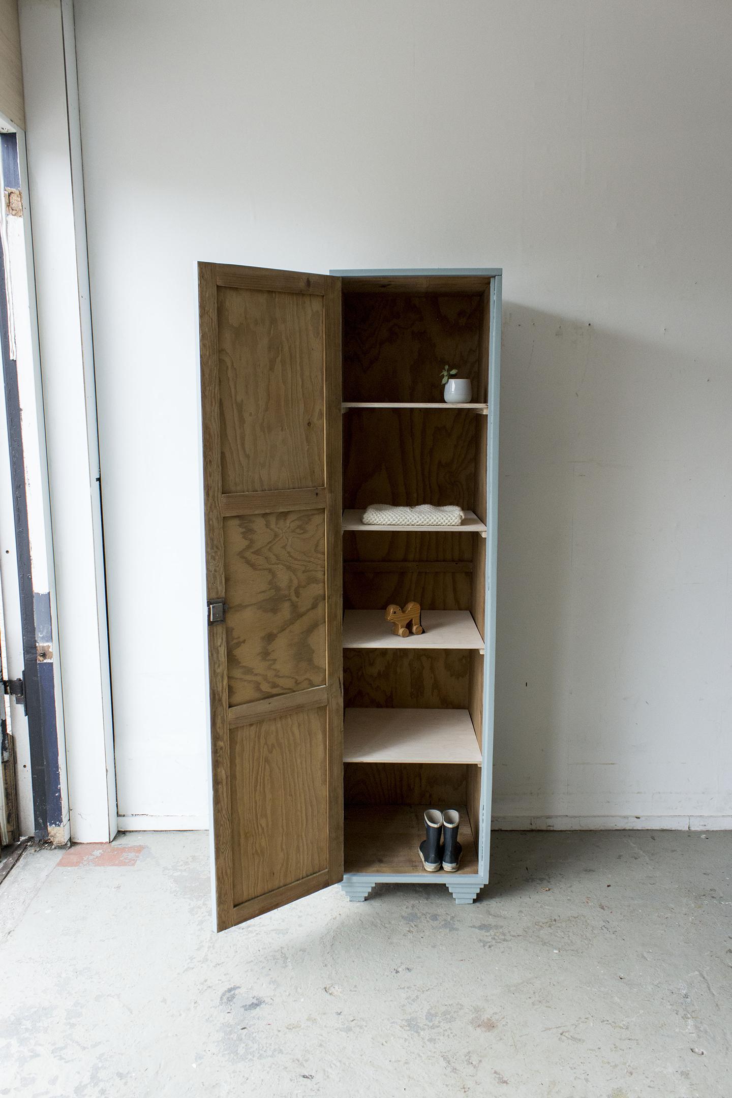 Grijsblauwe vintage houten locker-  Firma zoethout_11.jpg