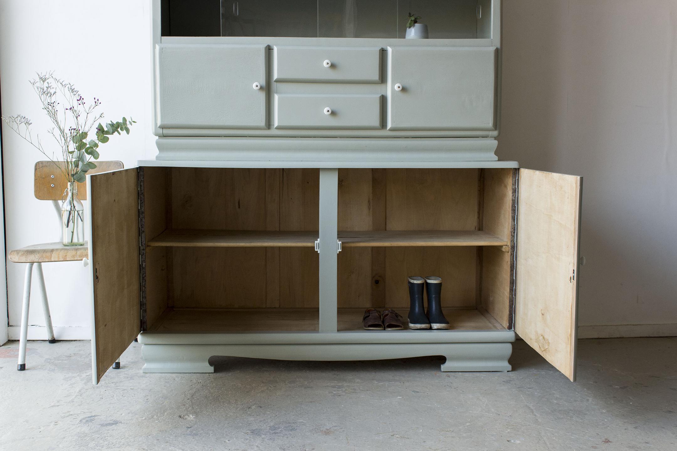 _Grijsgroene vintage keukenkast met ruitjes -  Firma zoethout_4.jpg
