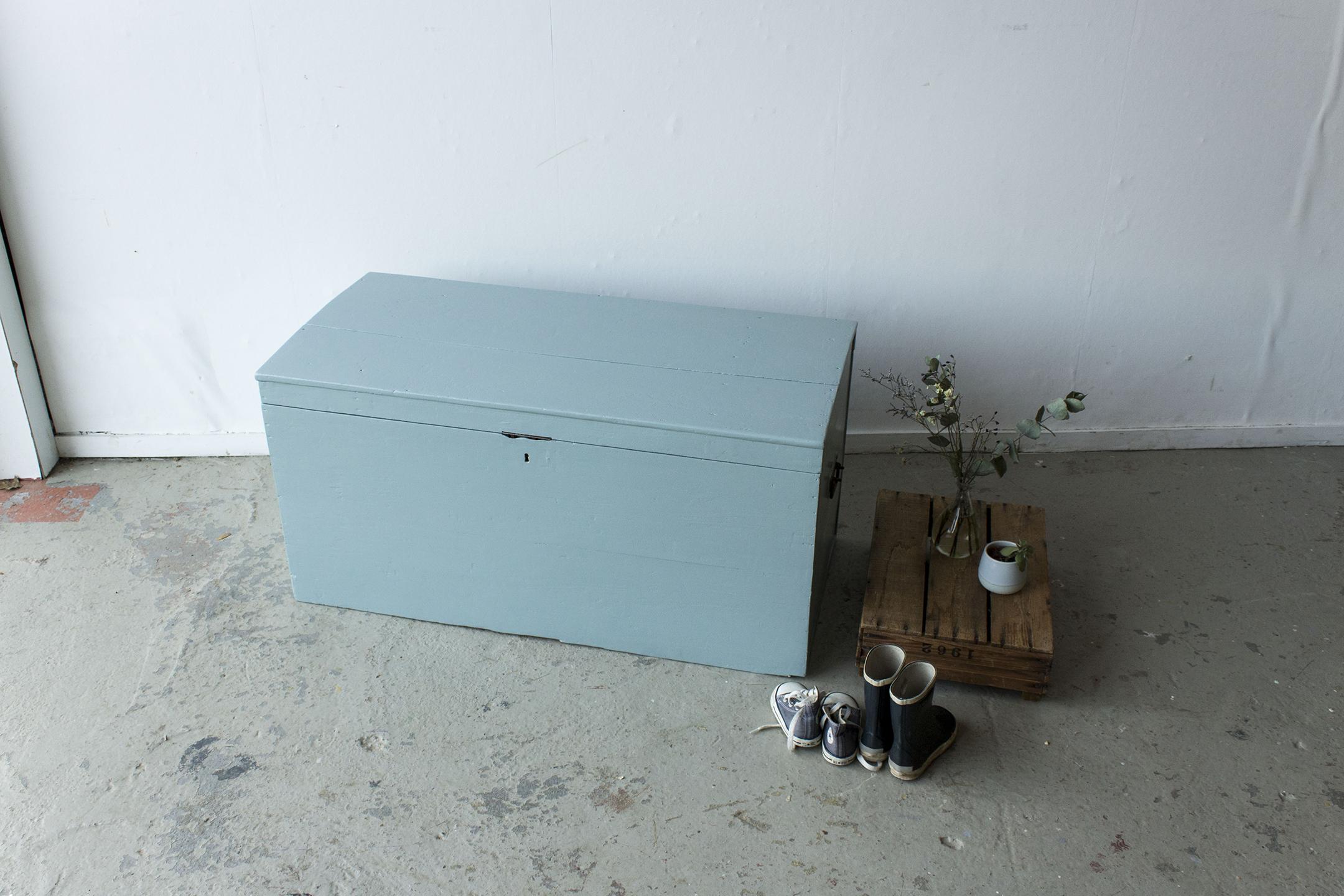 5035 - Kustblauwe vintage kist -  Firma zoethout_1.jpg