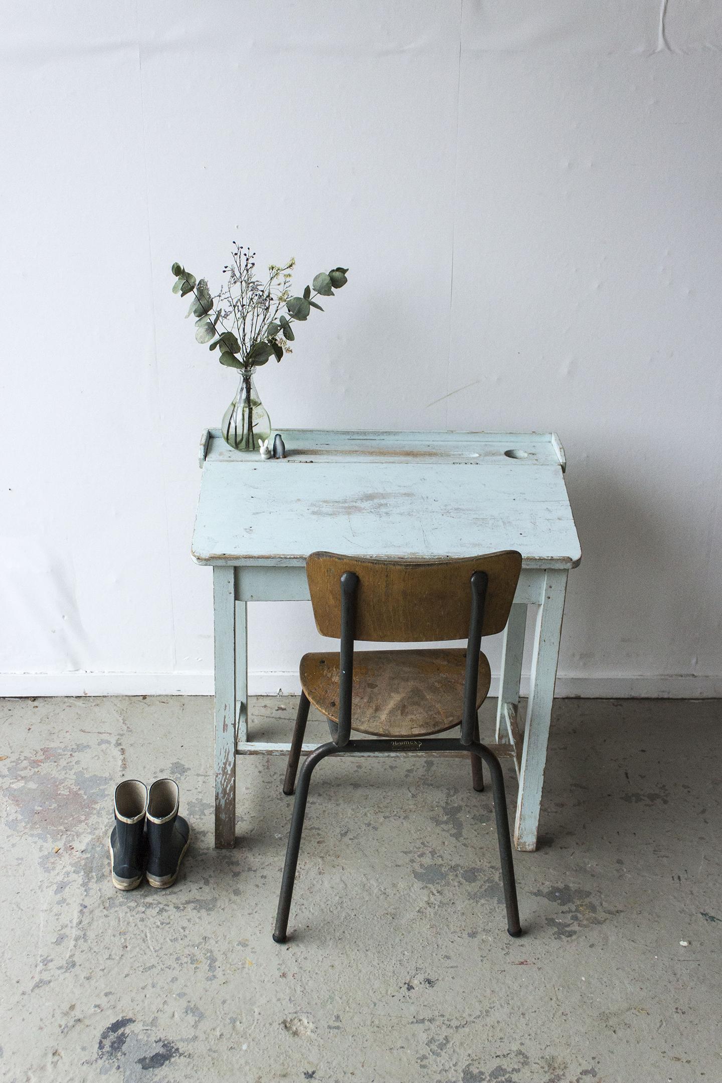 3162 - Lichtblauw vintage kleutertafeltje - Firma zoethout_2.jpg