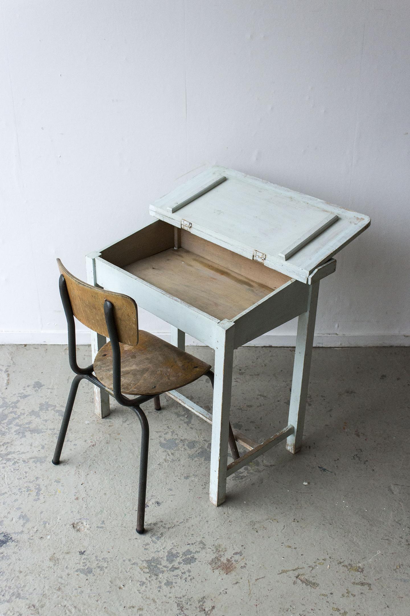 3162 - Lichtblauw vintage kleutertafeltje - Firma zoethout_5.jpg