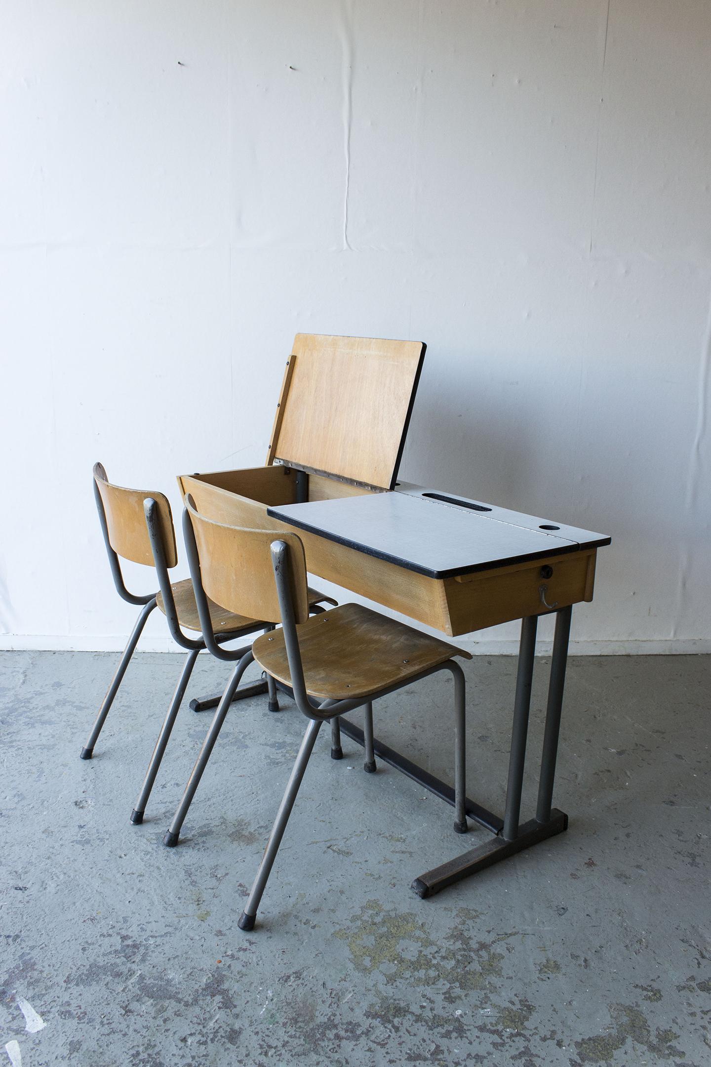 3163 - vintgate schooltafel met kleppen - Firma zoethout_3.jpg