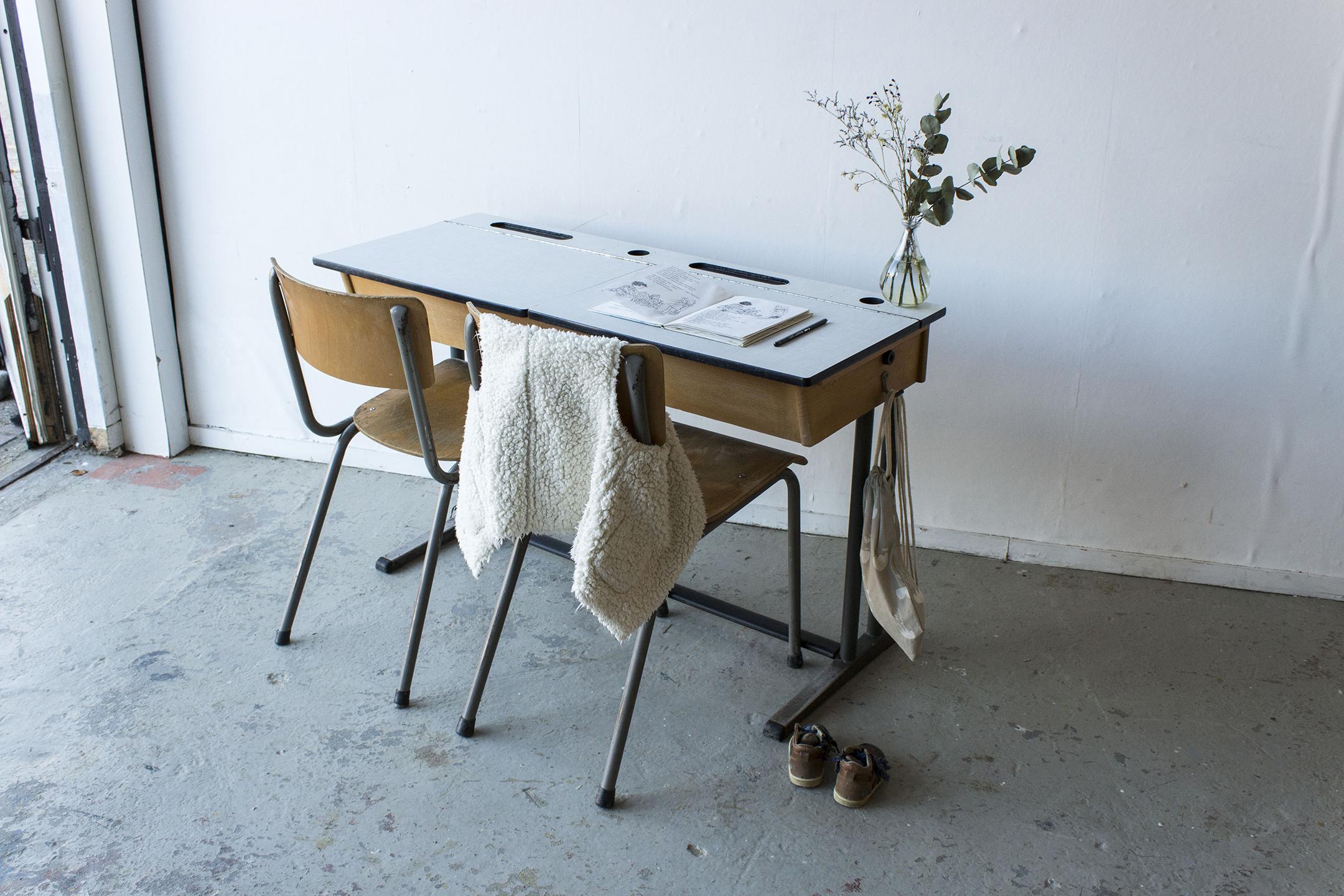 3163 - vintgate schooltafel met kleppen - Firma zoethout_1.jpg