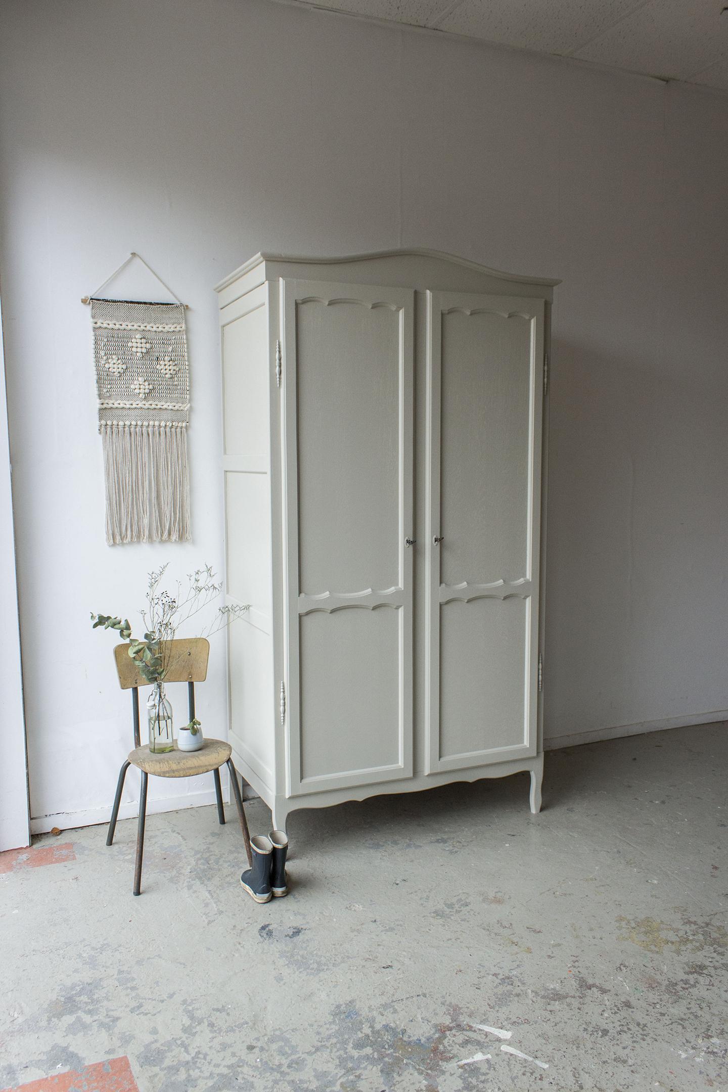 1406- demontabele sierlijke vintage kast in Linnen kleur - Firma zoethout_1.jpg