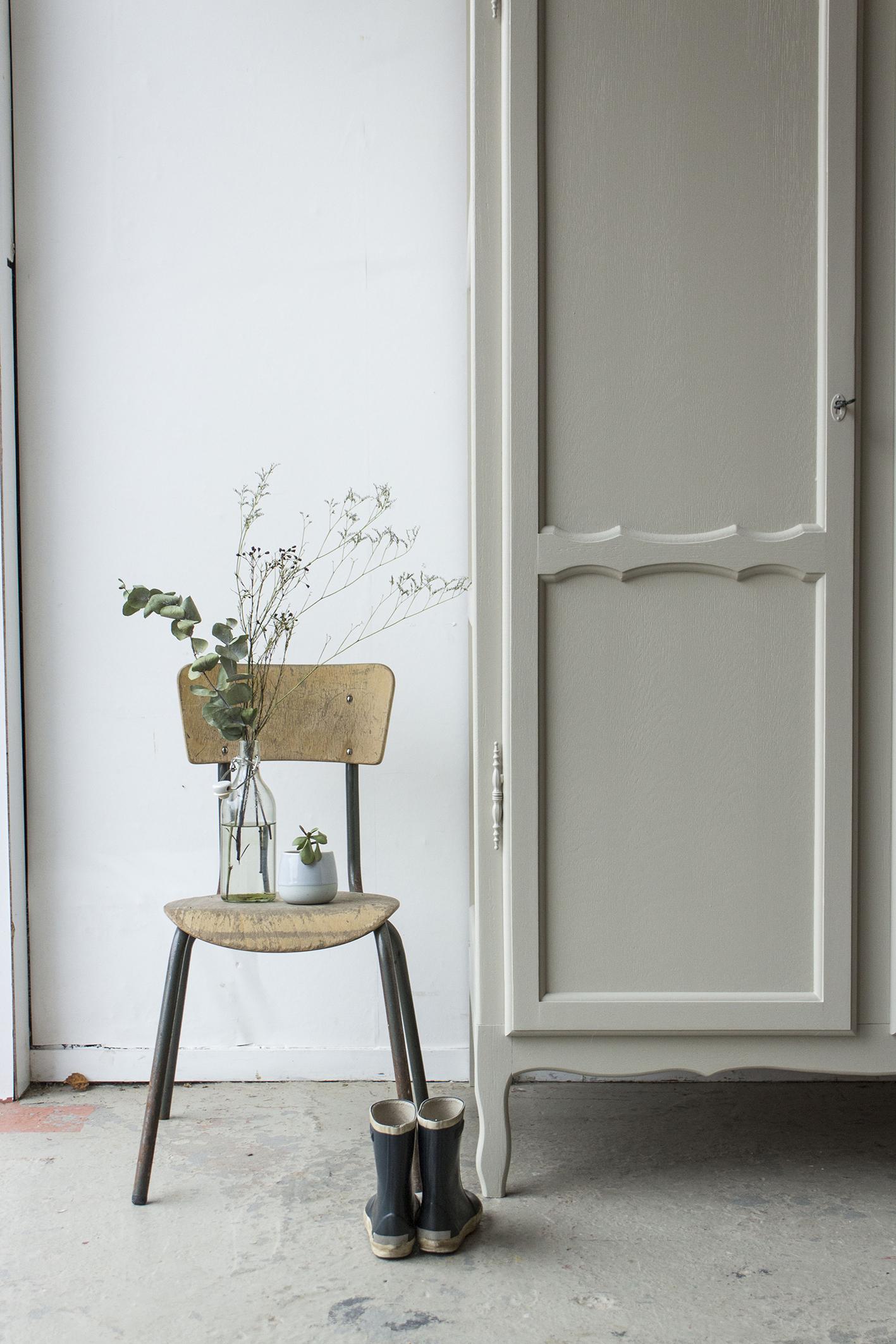 1406- demontabele sierlijke vintage kast in Linnen kleur - Firma zoethout_3.jpg